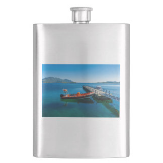 Landing stag and speed boat flask