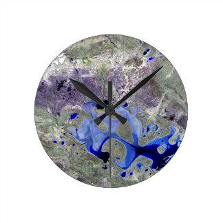 Landsat 7 Lake Carnegie Round Clocks