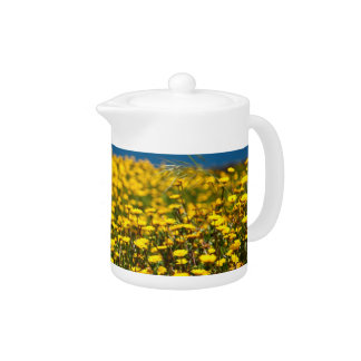 Landscape with daisies teapot