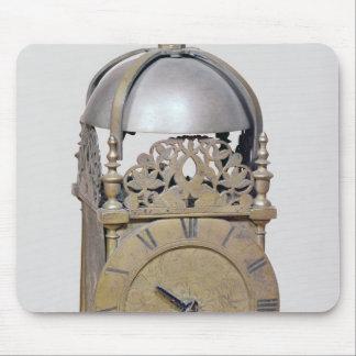 Lantern clock mouse pad