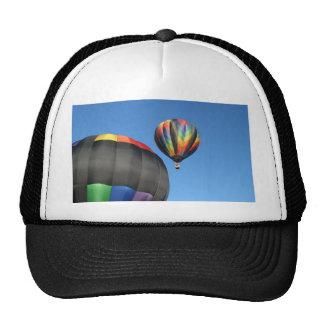 ¡Lanzamiento colorido de los globos! Gorros