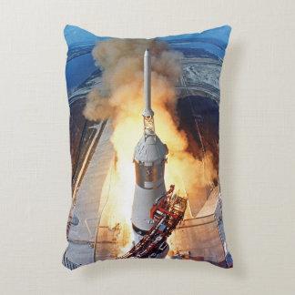 Lanzamiento de Apolo 11 Cojín Decorativo