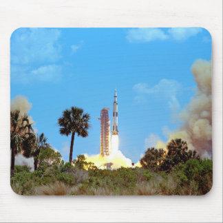 Lanzamiento de Apolo 16 Tapete De Ratón