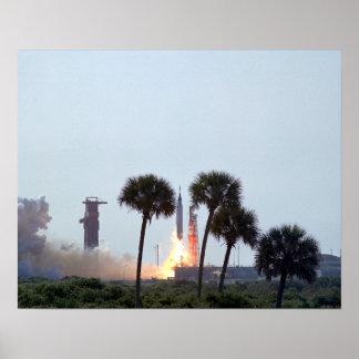 Lanzamiento de la fotografía del cohete del atlas  póster