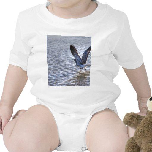 Lanzamiento de la gaviota camiseta