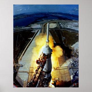 Lanzamiento de los primeros hombres a la luna - Ap Póster