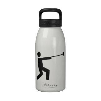 Lanzamiento de martillo botellas de beber