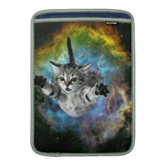 Lanzamiento del gatito del universo del gato de la fundas macbook air
