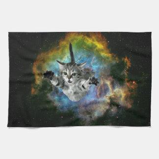 Lanzamiento del gatito del universo del gato de la toalla de mano