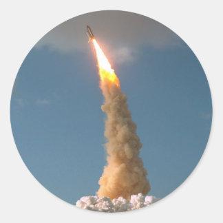 Lanzamiento del telescopio de Hubble Pegatina Redonda