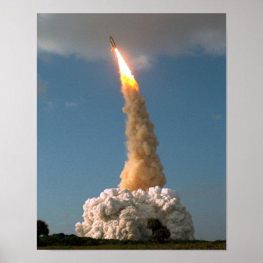 Lanzamiento del telescopio de NASAs Hubble Póster