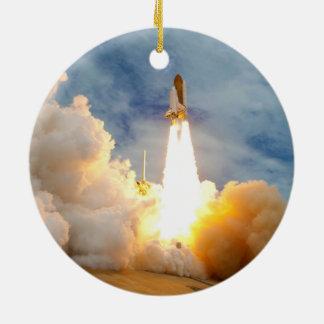 Lanzamiento final de la misión del transbordador e adornos de navidad