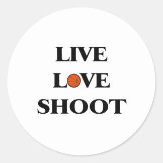 Lanzamiento vivo del amor (baloncesto) etiqueta redonda