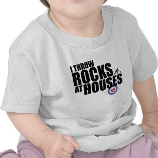 Lanzo rocas en encresparse de las casas camisetas
