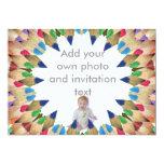Lápices coloreados, invitación de la foto