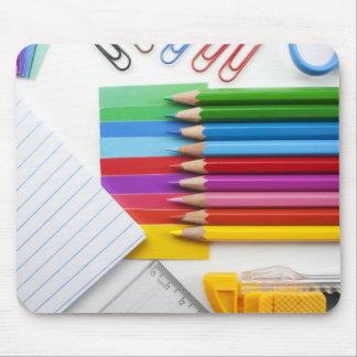 Lápices coloridos tapetes de ratón