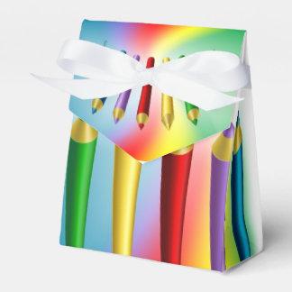 Lápices del color cajas para regalos