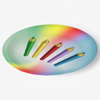 Lápices del color platos de papel