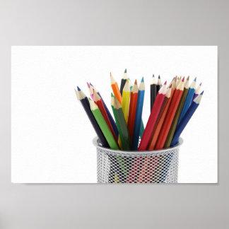 Lápices en tenedor del lápiz por el poster de Petr