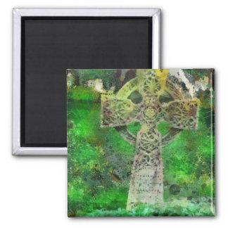 Lápida mortuaria de la cruz céltica imán cuadrado