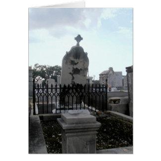 Lápida mortuoria caida tarjeta de felicitación