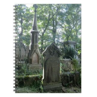 Lápidas mortuarias del Victorian en el Parsonage d Libreta