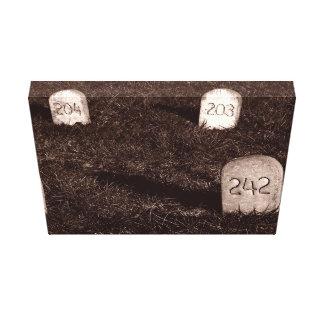 Lápidas mortuarias en B/W Lona Envuelta Para Galerías