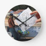 Lápiz contra la cámara - casera reloj redondo mediano