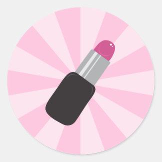 Lápiz labial en los pegatinas rosados del fondo pegatinas redondas