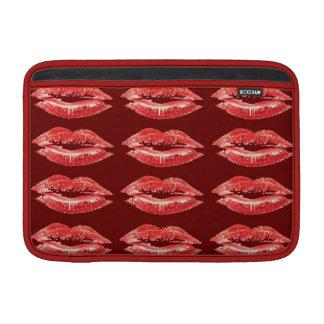 Lápiz labial rojo del beso de los labios funda macbook air