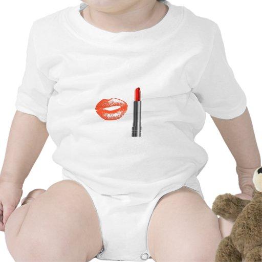 lápiz labial y labios traje de bebé