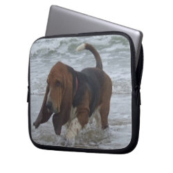 Laptop Sleeve Basset Hound In The Sea