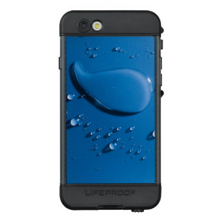 Large and small water droplets viewed from above LifeProof NÜÜD iPhone 6s case