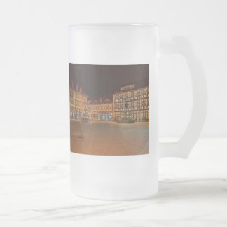Large glass cup market place who Niger ode at