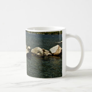 LARGE GRANITE BOULDERS IN A MOUNTAIN LAKE COFFEE MUG
