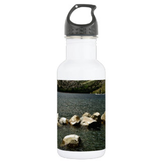 LARGE GRANITE BOULDERS IN A MOUNTAIN LAKE WATER BOTTLE