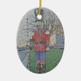 LARGE LAWN CHRISTMAS TOY SOLDIER/NUTCRACKER DECORA CERAMIC ORNAMENT
