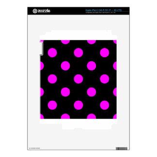 Large Polka Dots - Fuchsia on Black Skins For iPad 3