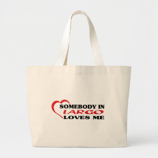 LARGOaSomebody in Largo loves me t shirt Canvas Bags