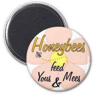 Las abejas alimentan Yous y Mees (rosa) - imán