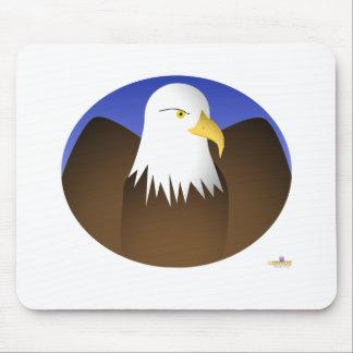 Las alas de Eagle separaron los cielos azules Tapetes De Ratones