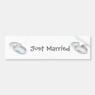 Las alianzas de boda de plata ahorran la fecha pegatina para auto