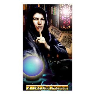 Las altas tarjetas de visita de la sacerdotisa de