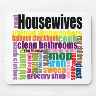 """Las amas de casa reales """"hacen"""" mousepad"""