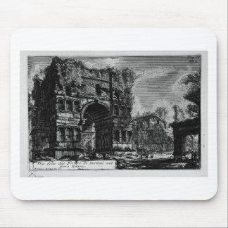 Las antigüedades romanas, T. 1, placa XXI. Arco Tapete De Raton