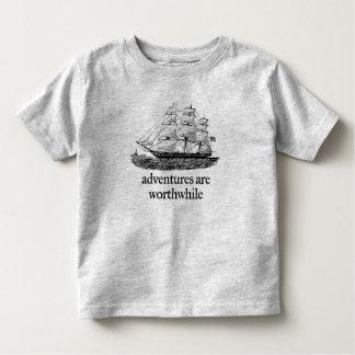 Las aventuras son camisetas de mérito