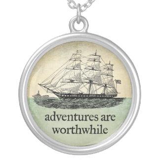Las aventuras son collar de mérito