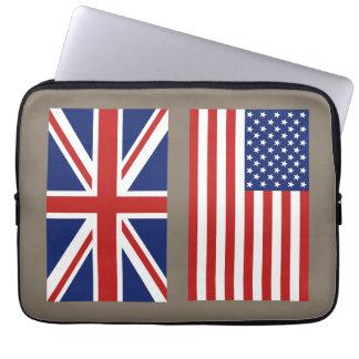 Las banderas de Reino Unido y de los E.E.U.U. Funda Portátil
