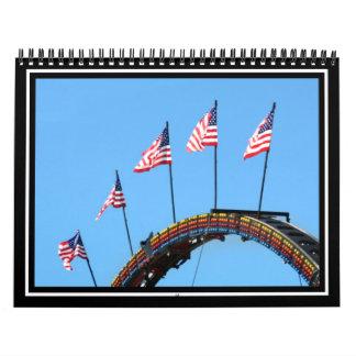 Las banderas suben arriba calendarios de pared