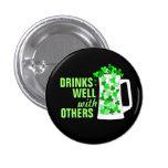 Las bebidas con otras asaltan bien tréboles del o pin